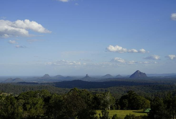 Glasshouse Mountains, Queensland © Steven Hille