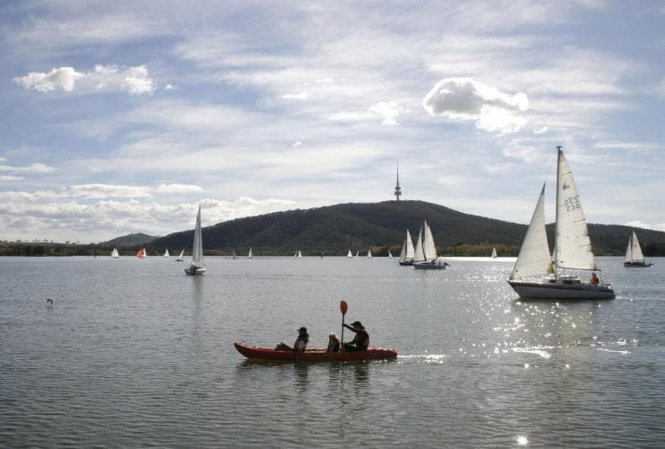 Lake Burley Griffin, Canberra, Australian Capital Territroy © VisitCanberra