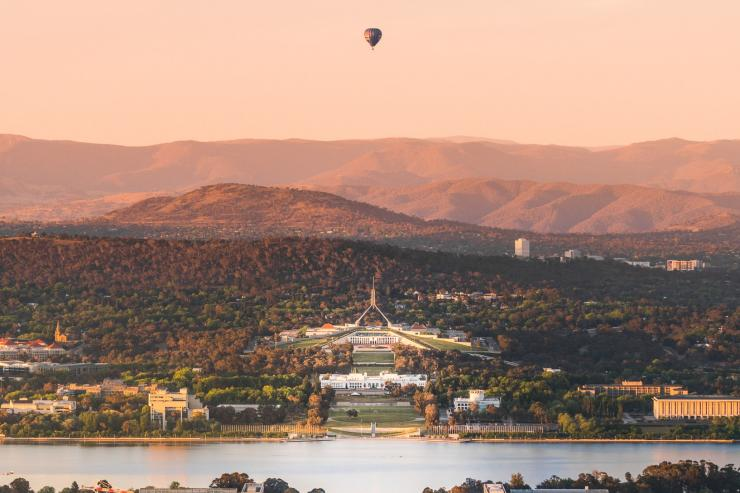 Blick vom Mt Ainslie, Canberra, Australian Capital Territory © Rob Mulally for VisitCanberra