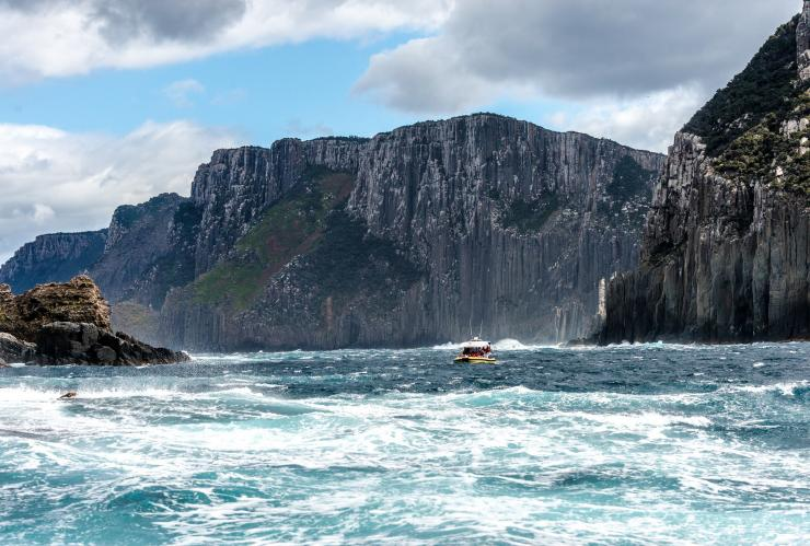 Tasman Island Cruises, Pennicott Wilderness Journeys, Tasman National Park, Tasmanien © Wai Nang Poon