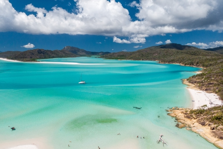 Whitehaven Beach, Whitsunday Islands, Queensland © Tourism Australia