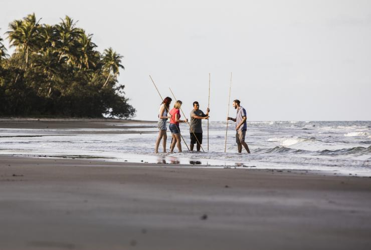 Walkabout Cultural Adventures, Port Douglas, Queensland © James Fisher, Tourism Australia