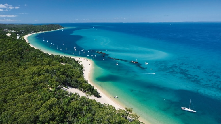 Moreton Island, Brisbane, Queensland © Tourism Queensland