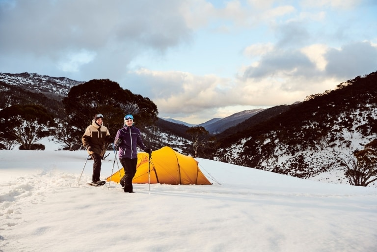 Schneeschuhwandern in Thredbo, Snowy Mountains, New South Wales © Destination NSW