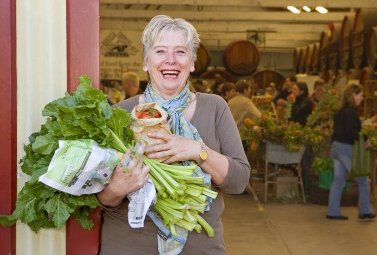 Maggie Beer auf dem Barossa Farmers Market, Angaston, Südaustralien © South Australian Tourism Commission