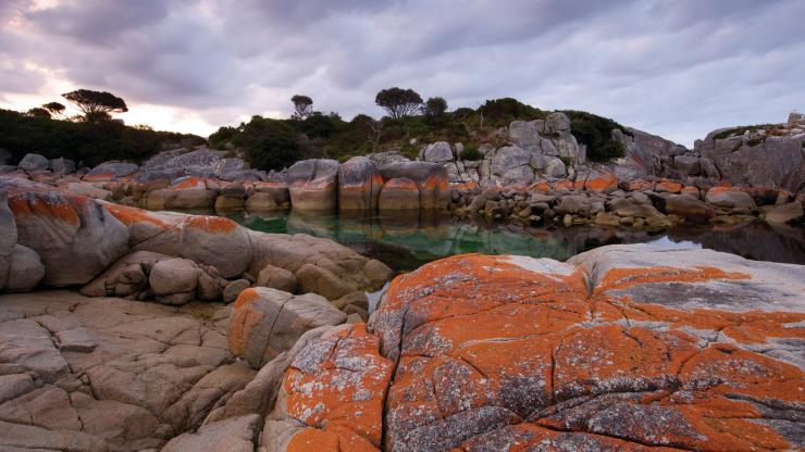 Binalong Bay, Bay of Fires, Tasmanien © Pete Harmsen, Tourism Tasmania