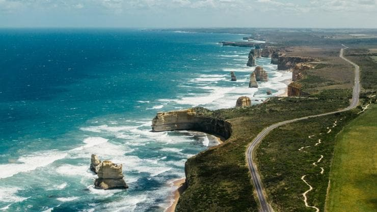 Great Ocean Road, Victoria © Tourism Australia
