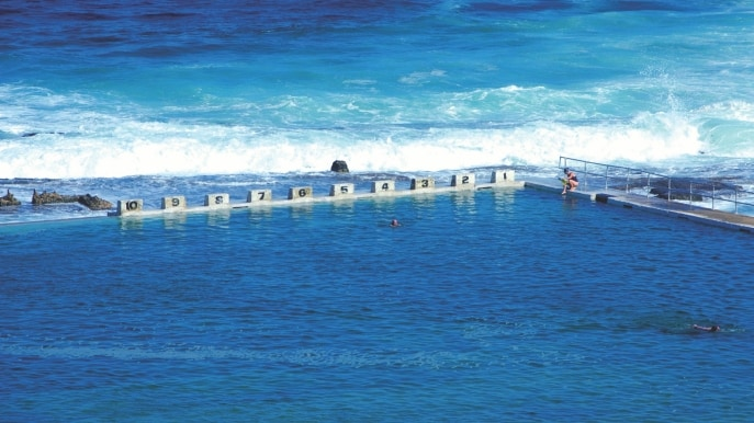 Merewether Ocean Baths, New South Wales, NSW © Destination NSW