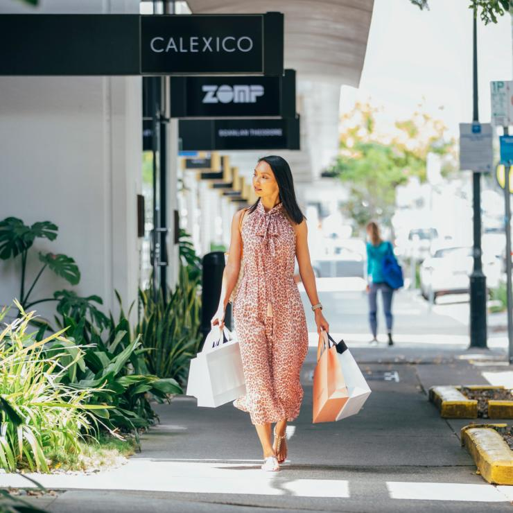 Woman shopping on James Street in Fortitude Valley © Brisbane Marketing