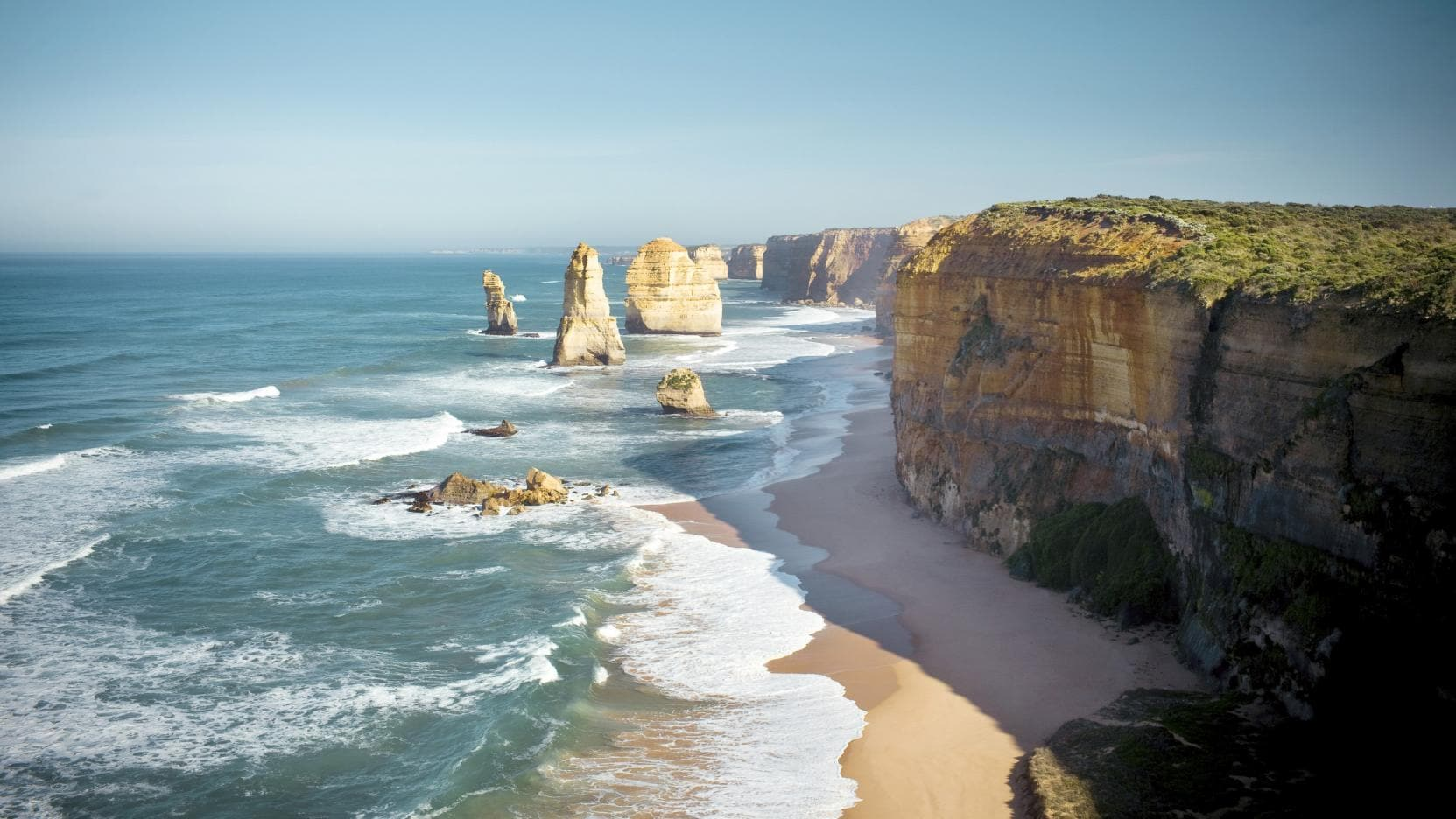 Twelve Apostles Lodge Walk, Great Ocean Road, VIC. © Great Walks of Australia