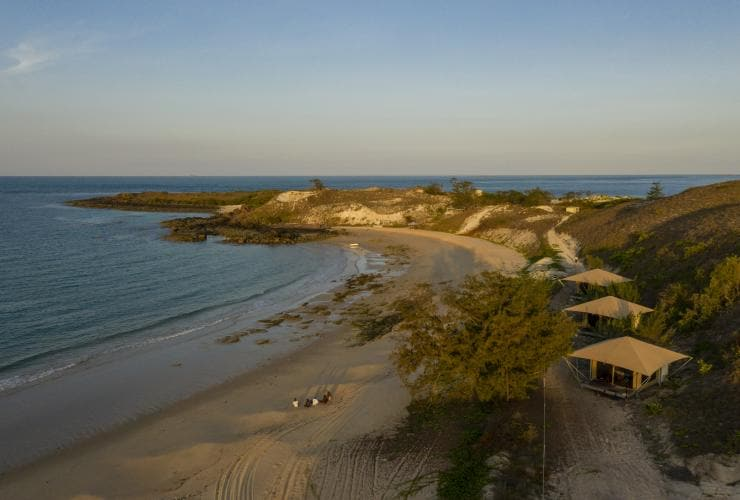 Bremer Island Banubanu Beach Retreat, Arnhem Land, NT © Tourism Australia
