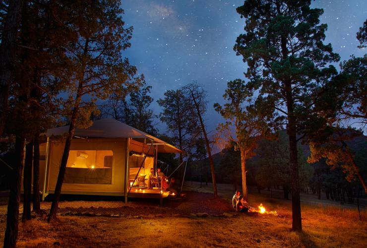Safari tent under the stars at Ikara Safari Camp at Wilpena Pound © South Australian Tourism Commission