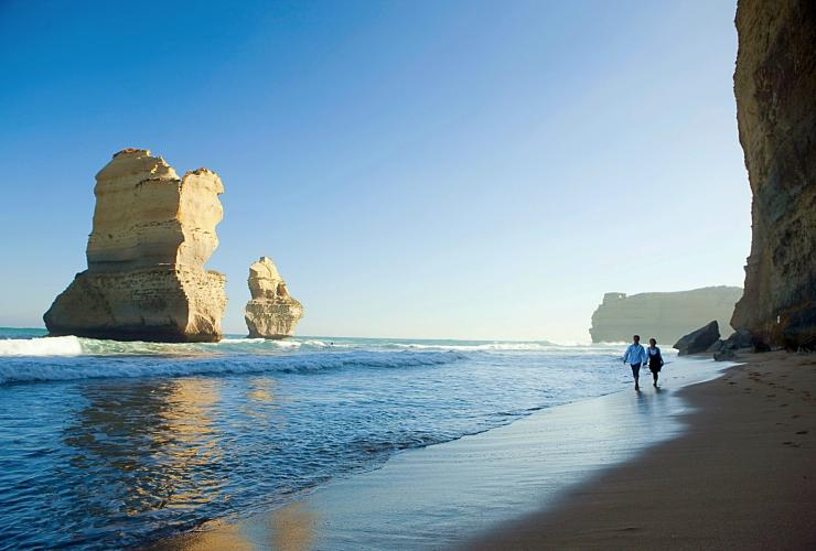 Twelve Apostles, Great Ocean Road, Victoria © Rob Blackburn, Visit Victoria