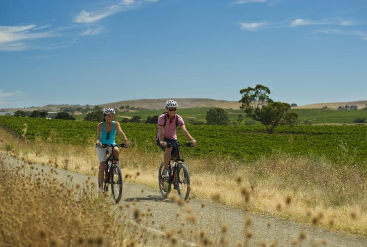 Riesling Trail, Clare Valley area, SA © South Australian Tourism Commission