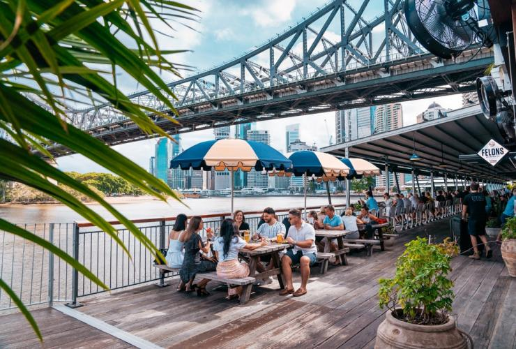 People dining at Howard Smith Wharves in Brisbane © Tourism and Events Queensland