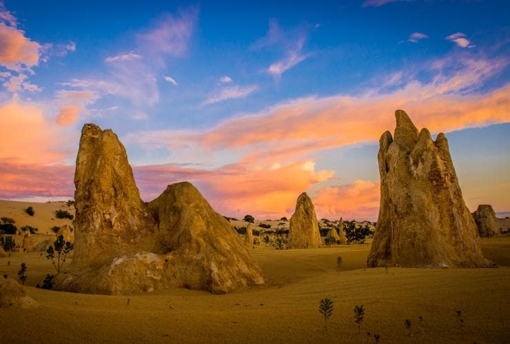 he Pinnacles, Nambung National Park, WA © Richard Rossiter