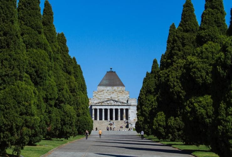 Shrine of Remembrance, Melbourne, VIC © Roberto Seba
