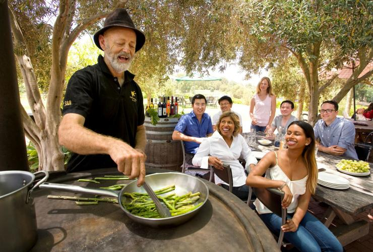 Asparagus masterclass and wine pairing lunch at Edgecombe Brothers Winery in Swan Valley © Tourism Western Australia
