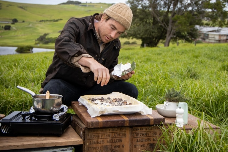 Hayden Quinn cooks on the South Coast of New South Wales © Boomtown Pictures