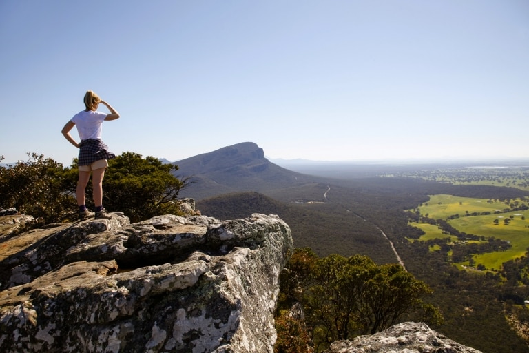 Mt Sturgeon (Wurgarri) Walk, Grampians National Park, VIC © Visit Victoria
