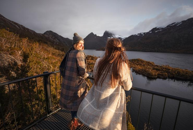 Dove Lake Circuit, Cradle Mountain, TAS © Tourism Australia