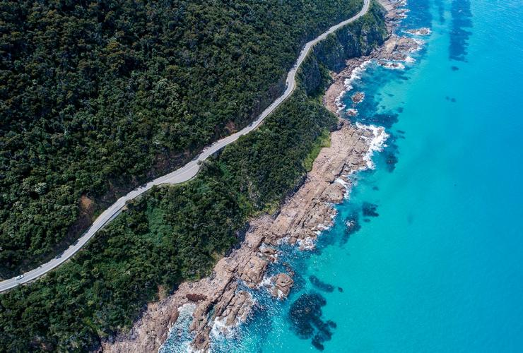 Great Ocean Road, VIC © Tourism Australia