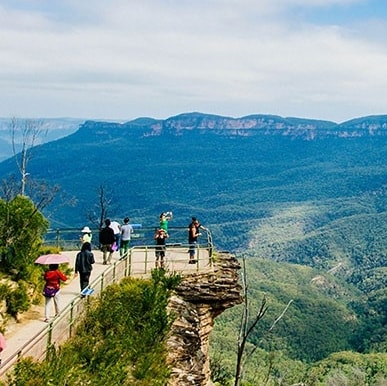 Panoramic view of the Blue Mountains in New South Wales © Tourism Australia / David Ireland