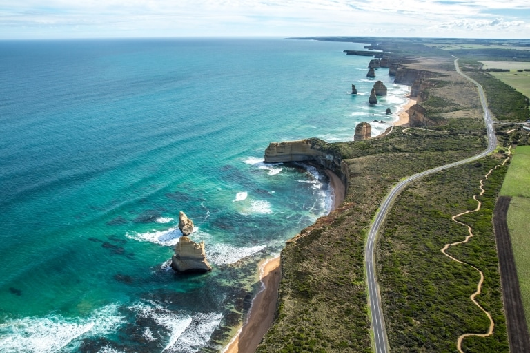 Twelve Apostles, Great Ocean Road, Victoria © Greg Snell, Tourism Australia