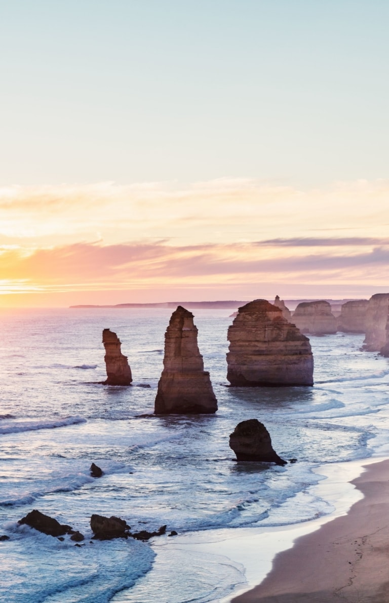 12 Apostles, Great Ocean Road, VIC © Great Ocean Road Tourism / Belinda VanZanen