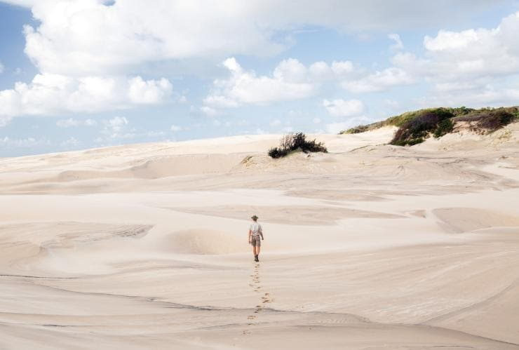 Tookee Sand Blow, Fraser Island Great Walk, Fraser Island, QLD © Tourism and Events Queensland