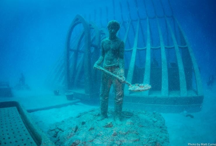 An underwater sculpture at the Museum of Underwater Art © Matt Curnock