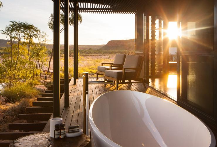 Outdoor bath tub at El Questro Homestead with views of  El Questro Wilderness Park © timothyburgess.net