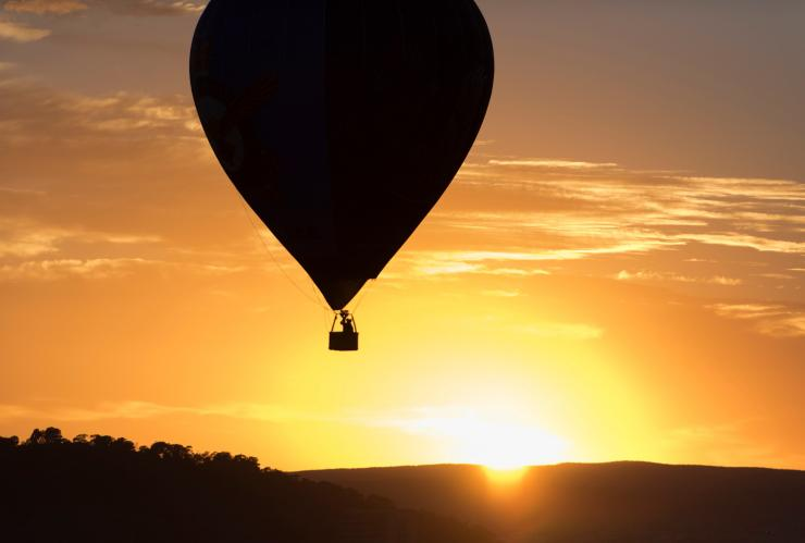 Hot air balloon in Canberra © VisitCanberra