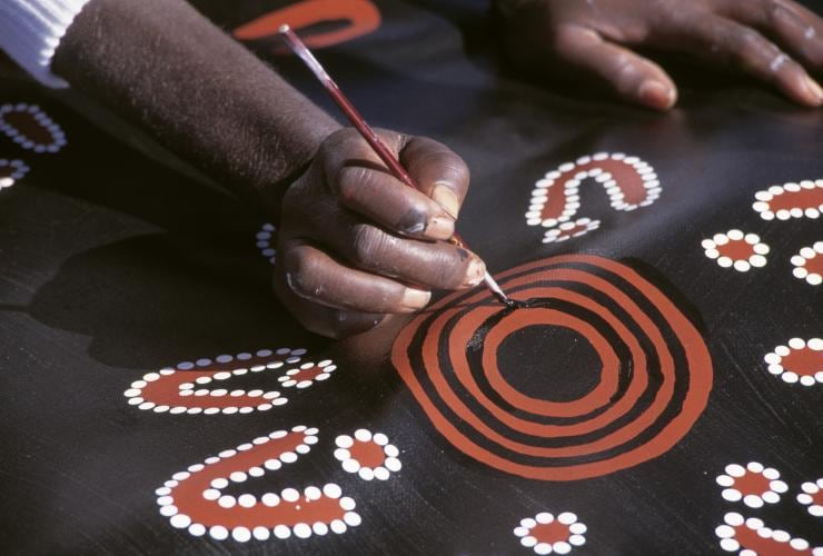 Papunya Artist, Central Australia, NT © Tourism NT