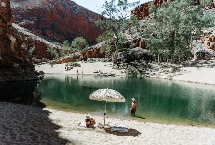 Simpsons Gap waterhole, Alice Springs, Red Centre, NT © Tourism NT