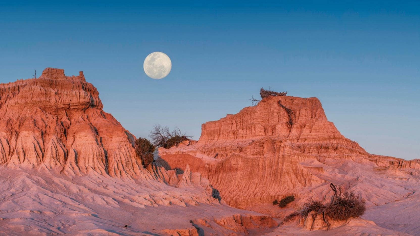Walls of China, Mungo National Park, NSW. © Tourism Australia
