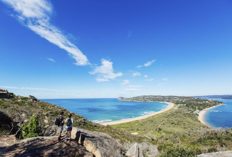 Barrenjoey Lighthouse Walk, Palm Beach, NSW © Destination NSW