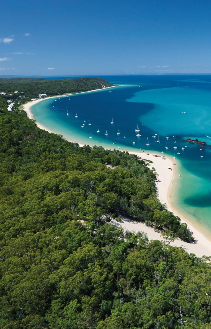 Moreton Island, Brisbane, QLD © Tourism Queensland
