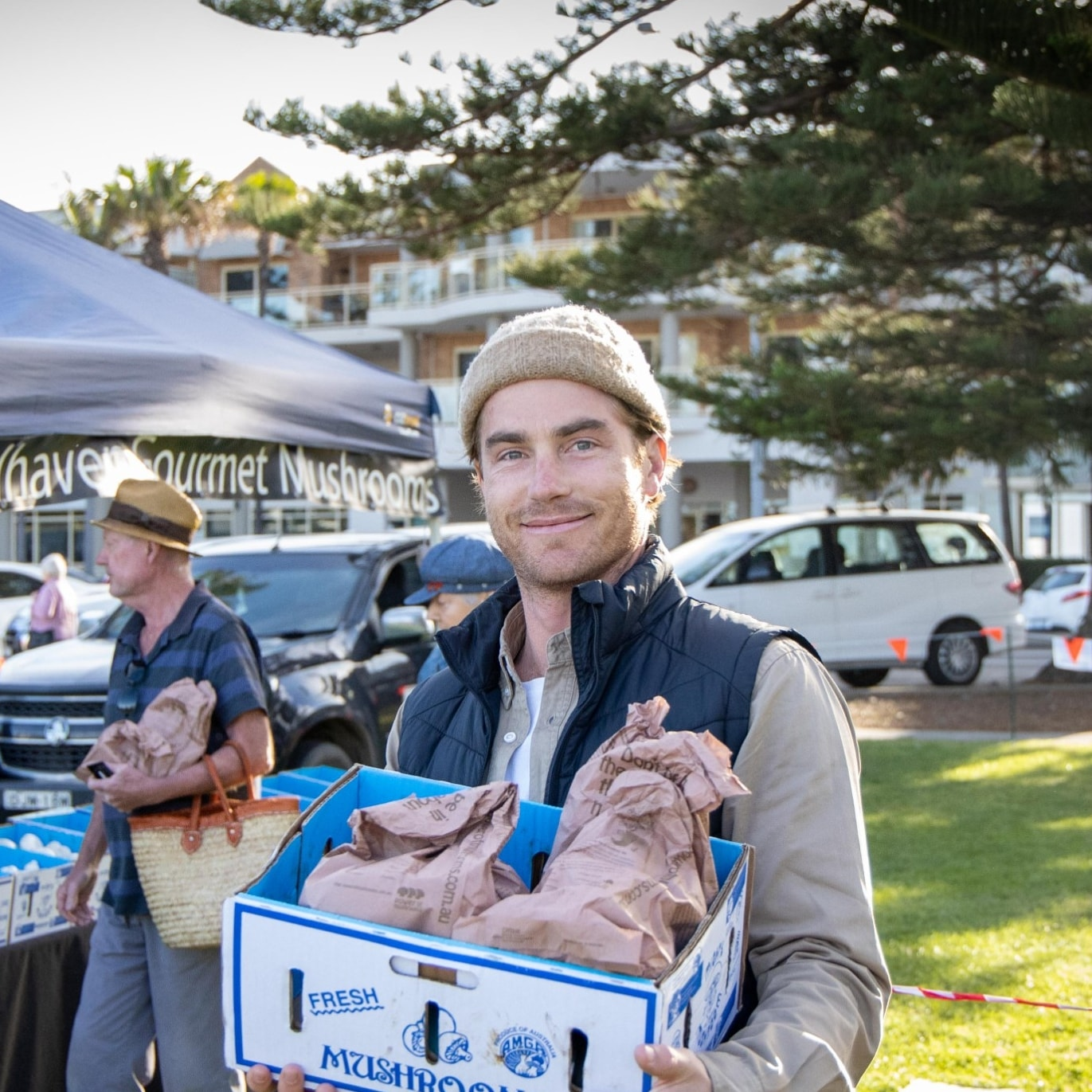 Hayden Quinn at the Kiama Farmers Markets © Boomtown Pictures