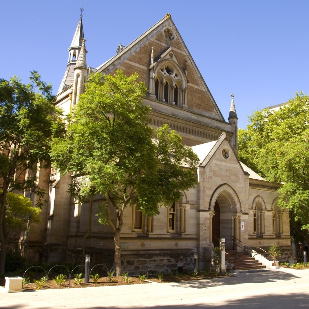 Exterior view of Elder Hall in Adelaide © South Australian Tourism Commission