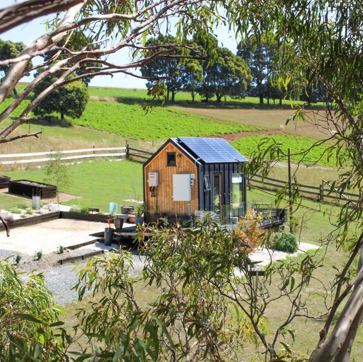 Compass Hut tiny home in Forthside © Compass Hut/Kylie Bell