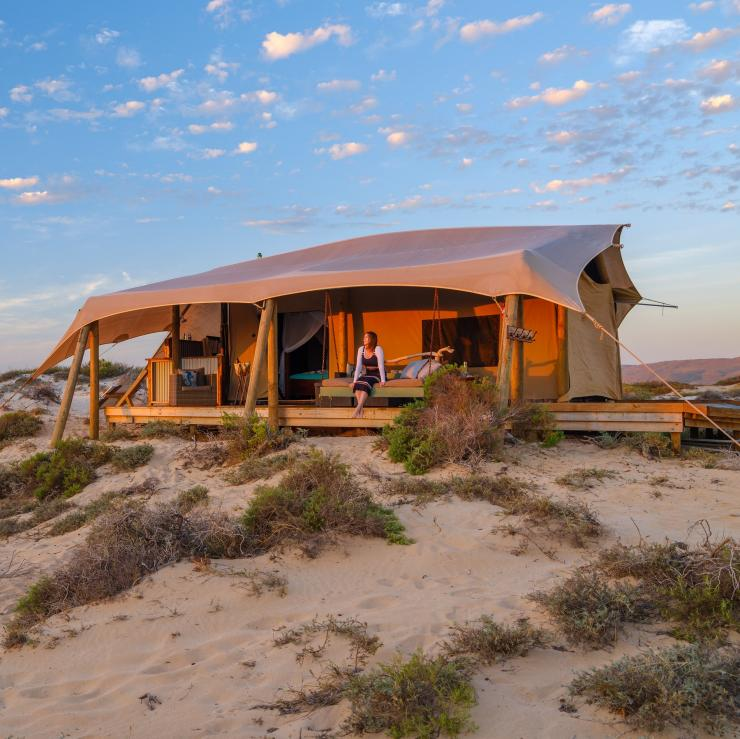 Exterior of a glamping tent at Sal Salis in Western Australia © Tourism Western Australia