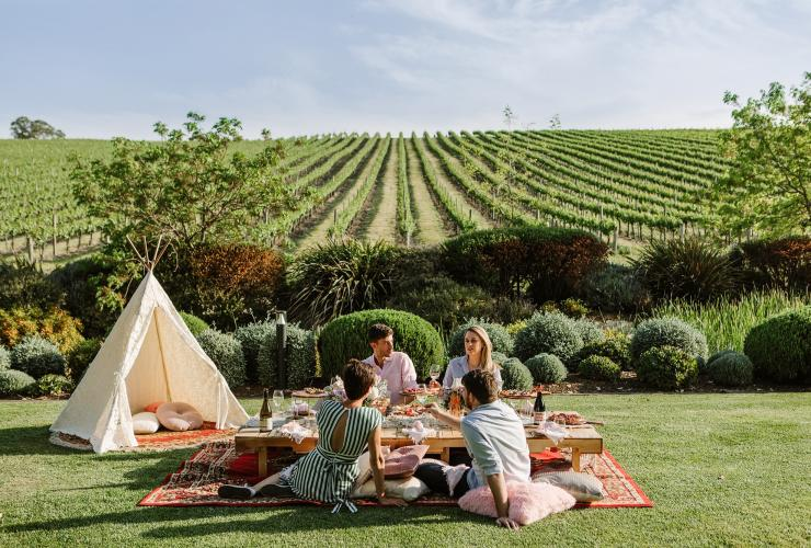 Picnic experience at Golding Wines' vineyard in the Adelaide Hills © Golding Wines/Selena Battersby