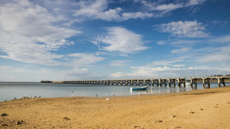 Streaky Bay Jetty, Streaky Bay, SA © South Australian Tourism Commission