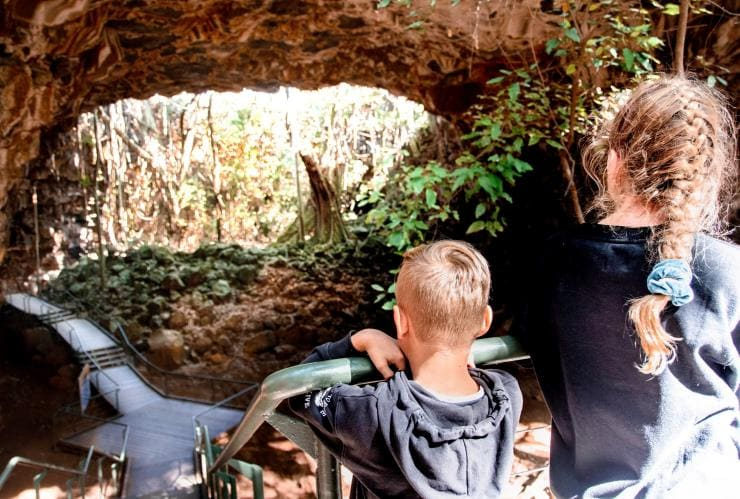 Kids looking at the Undara Lava Tubes © Tourism and Events Queensland