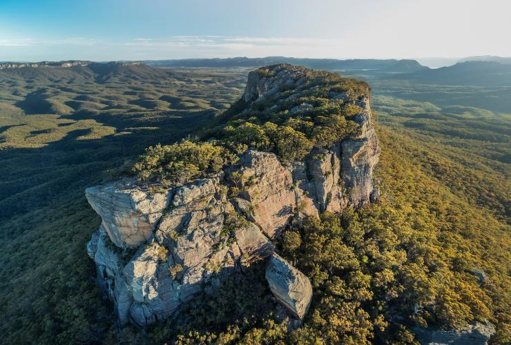 Pantoneys Crown, Capertee Valley, NSW © Destination NSW