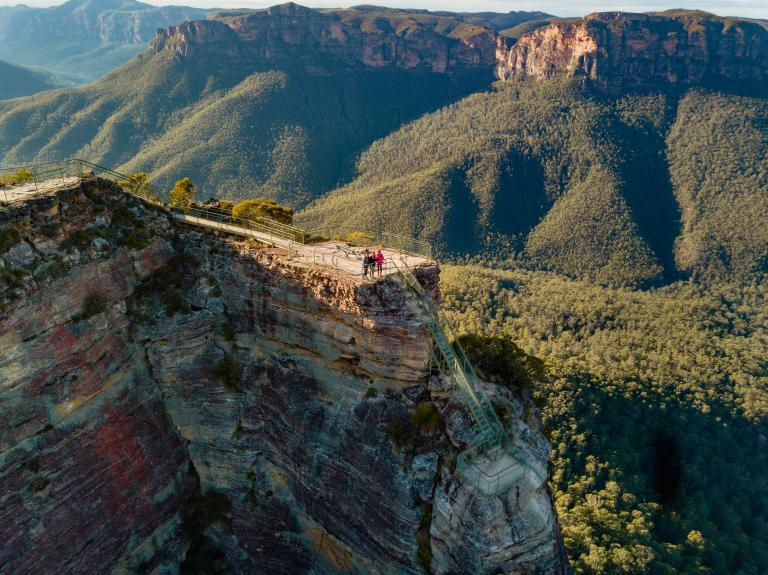 Pulpit Rock Lookout, Blue Mountains National Park, NSW © Destination NSW
