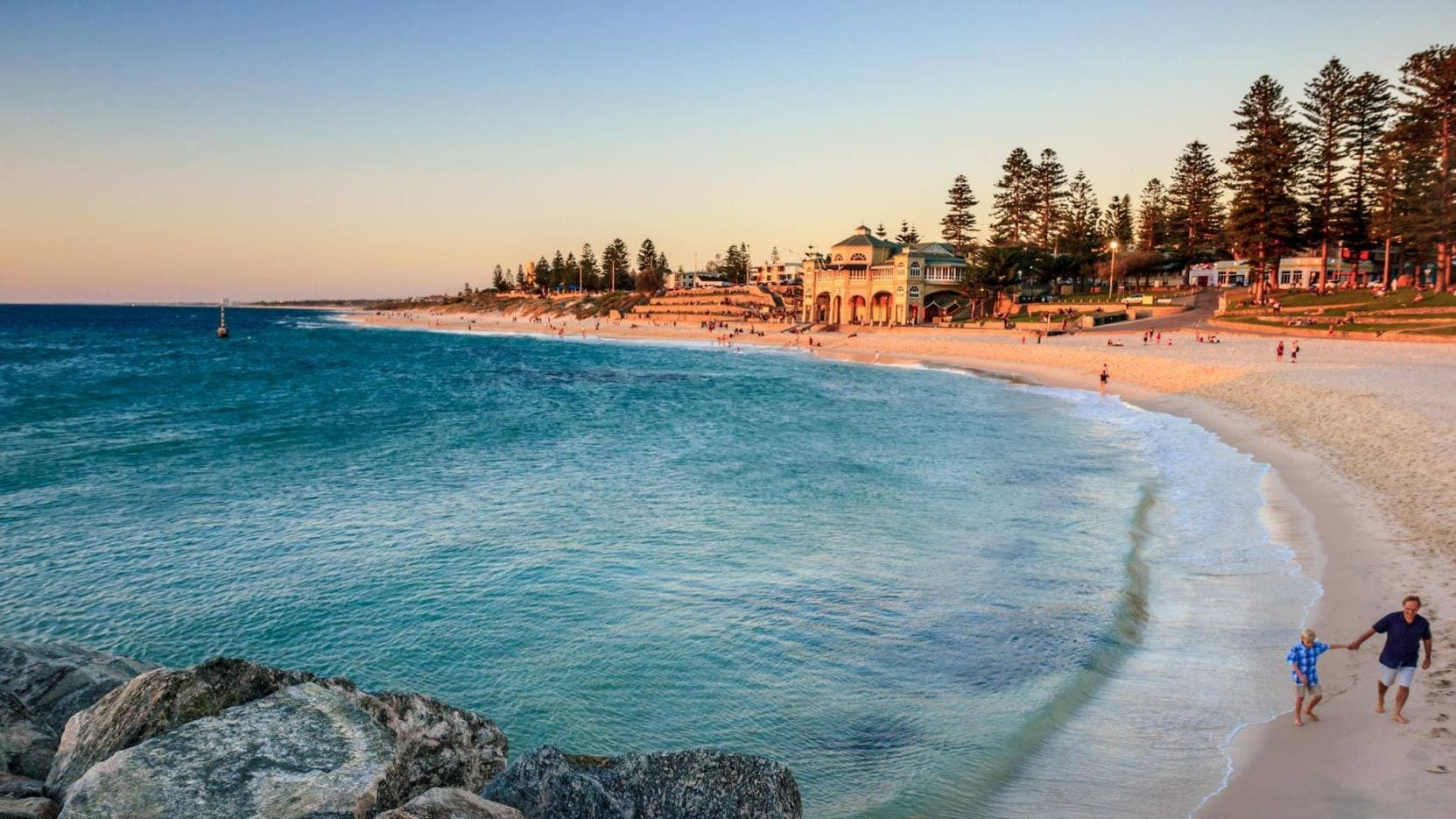 Cottesloe Beach, Perth, WA. © Tourism Australia