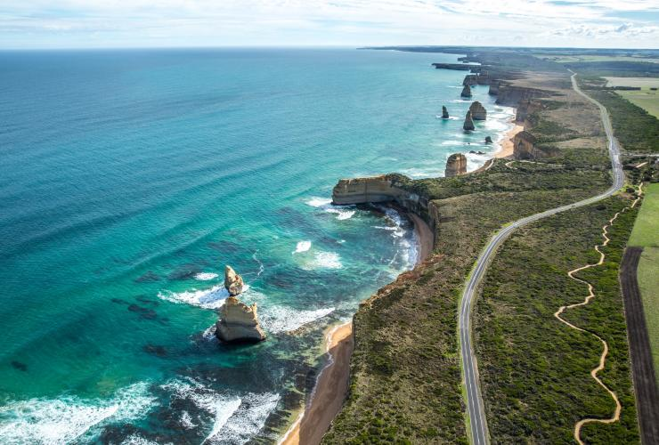 Twelve Apostles, Great Ocean Road, VIC © Tourism Australia