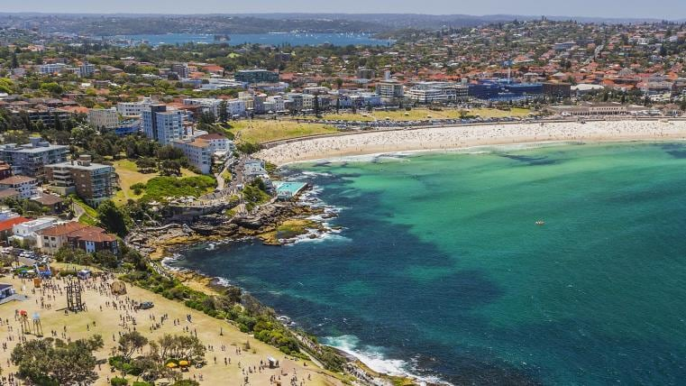 Bondi to Bronte Coastal Walk, Sydney, NSW © Destination NSW